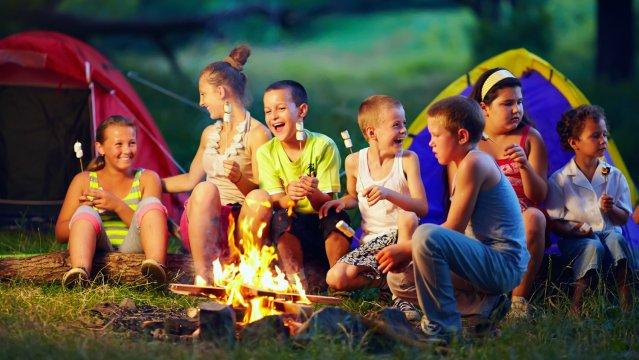 Pourquoi inscrire son enfant dans un camp de vacances ?